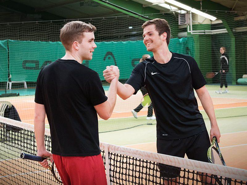 Cabrio Sport Tennis Shake-hands